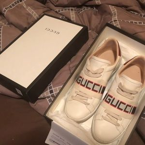 Like New Gucci Ace Sneakers w/ Dust Bag size 7